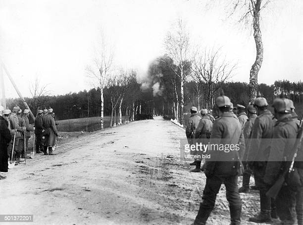 German sappers blow up a bridge near Loetzen to prevent the Russian troups from advancing October 1914 Photo Kuehlewindt