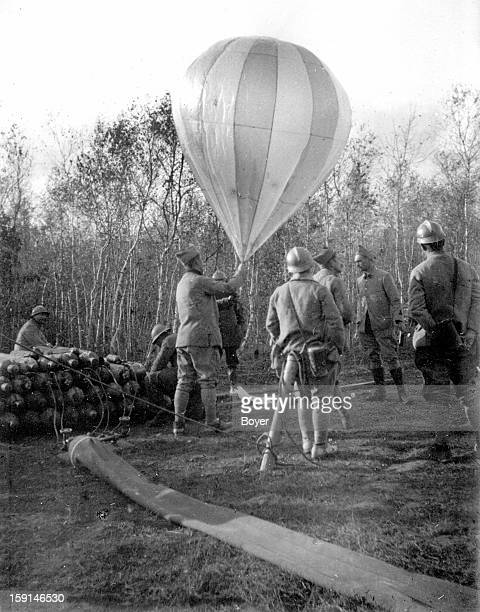 World War I Launching a balloon with the conditions of the Armistice November 10 1918