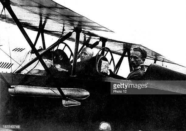 1918 World War I Raid of Italian airplanes on Vienna Gabrielle d'Annunzio and behind him Captain Palli aboard the airplane with which they threw...