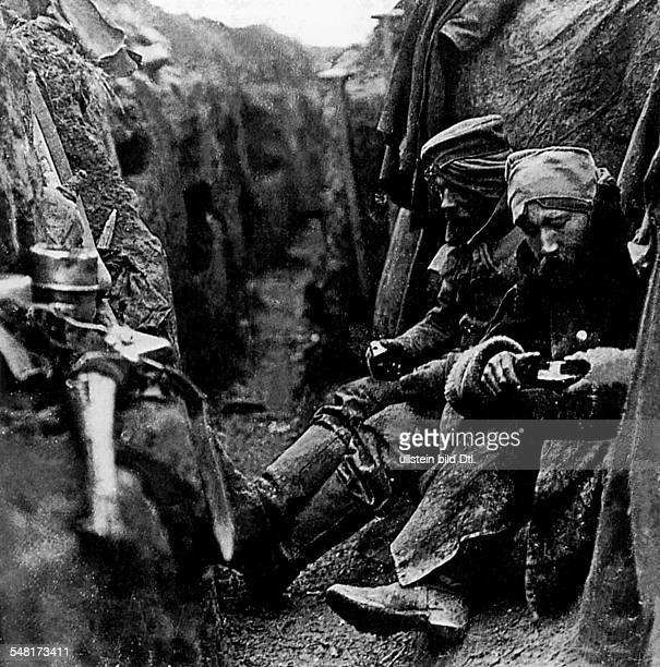 World War I. Theatre of war / western front: German Soldiers in a trench outside of Arras - November 1914