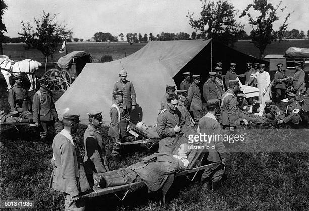 army medics and hospital tents of the German army behind the front line August/September 1914