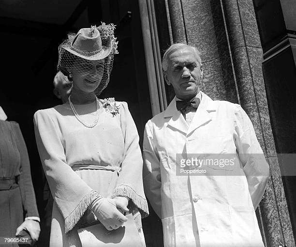 World War II 20th June 1944 London England The Duchess of Kent is pictured with Sir Alexander Fleming the discoverer of penicillin at St Mary's...