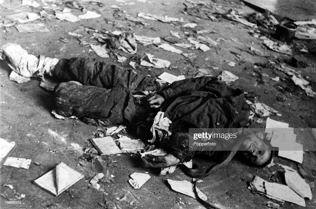 World War II, 5th January 1942, The body of Soviet soldier tortured and murdered by the Nazis at Vysokovsk on the eve of the German retreat on the Moscow front : News Photo