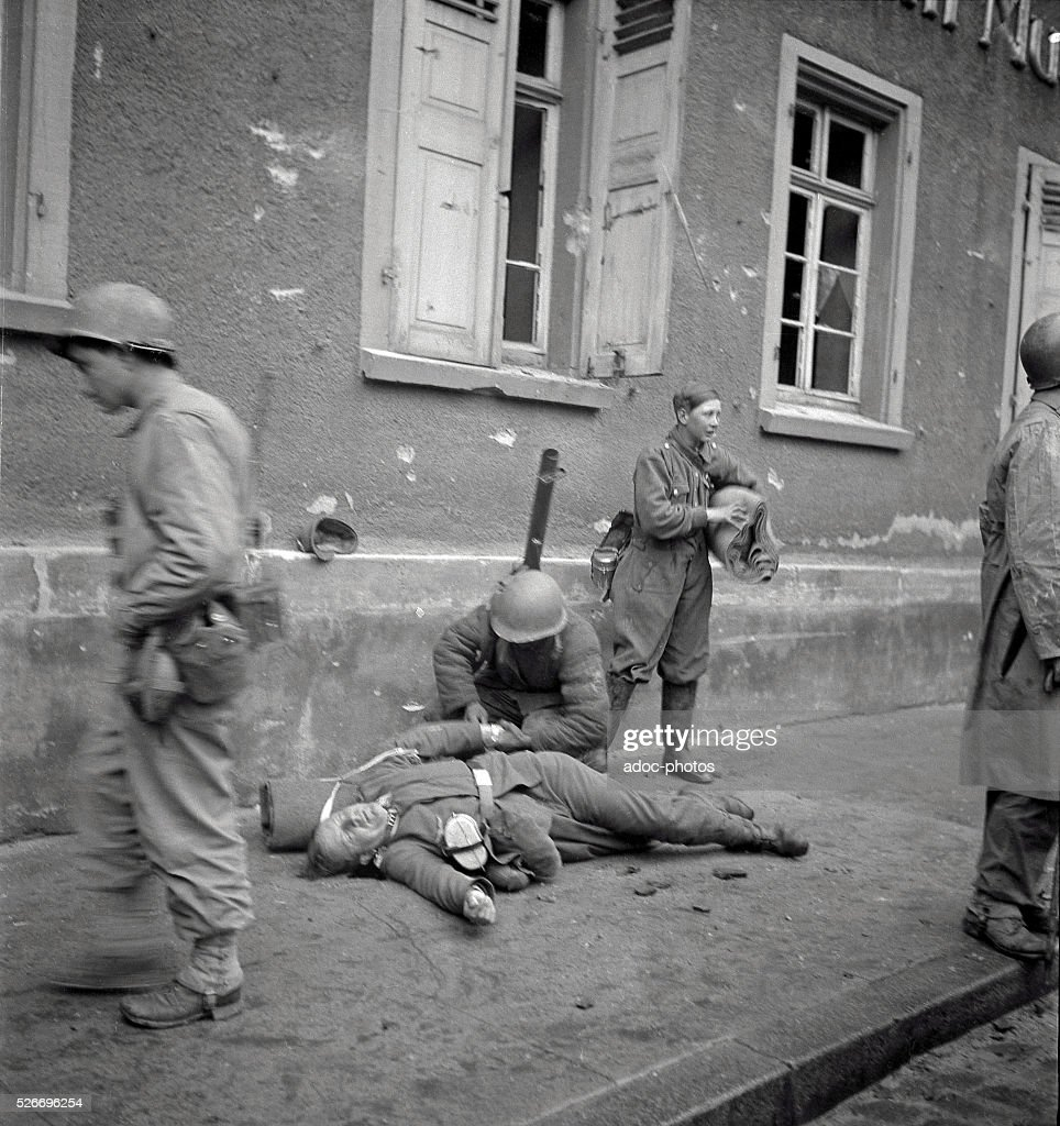 World War II. During the advance of the First French Army in Germany : News Photo