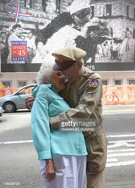 World War II fighter pilot Jerry Yellin and WWII veteran nurse Gloria Bullard Bullard who appears in Victor Jorgensen's photo of the kiss on Times...