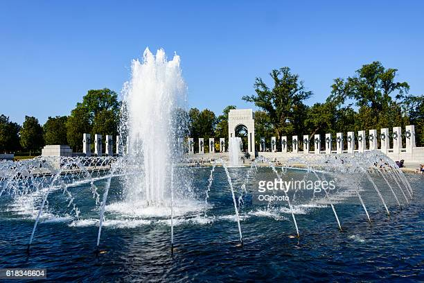 world war ii memorial in washington dc - ogphoto stock photos and pictures