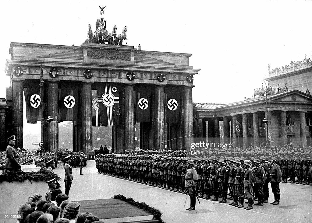 Brandenburg Gate - Wikipedia  |Brandenburg Gate Ww2
