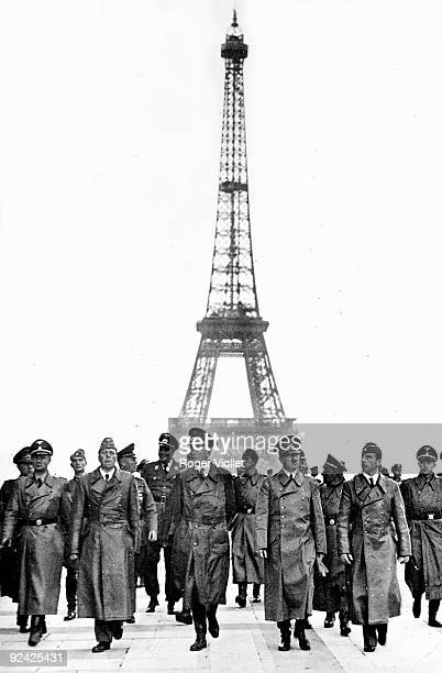 World War II. Nazi leader, Adolf Hitler , in Paris, on the esplanade of the Chaillot palace, with the architect Albert Speer , the sculptor Arno...