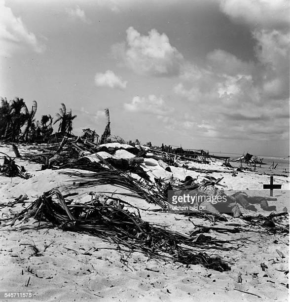 World War II Pacific 'Island Hoppimg' disembarkement of UStroups on Gilbertislands Tarawa The beach after finidhing combats about