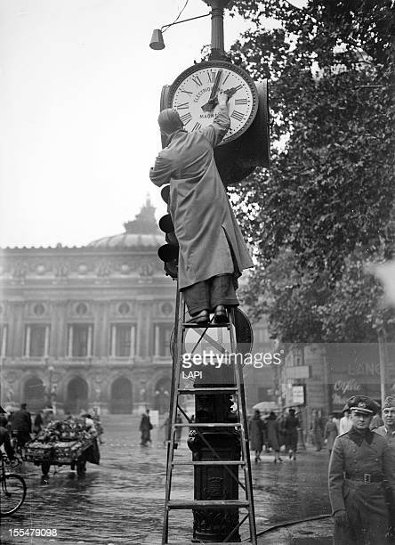 World War II Passing to Winter time Paris on October 30 1942