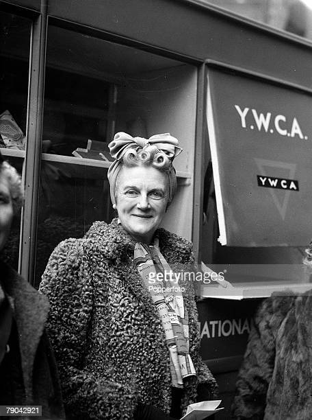 World War II Politics England circa 1942 Clementine Churchill the wife of the wartime Prime Minister Winston Churchill pays a visit to a wartime YWCA...