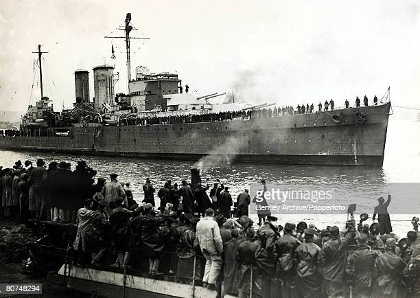 February 1940 The British York class heavy cruiser HMS Exeter of the Royal Navy pictured arriving in port HMS Exeter was one of the ships involved in...