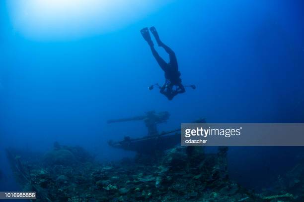 world war ii shipwreck - cdascher stock pictures, royalty-free photos & images