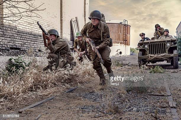 world war ii soldiers looking for the enemy - world war ii stock pictures, royalty-free photos & images