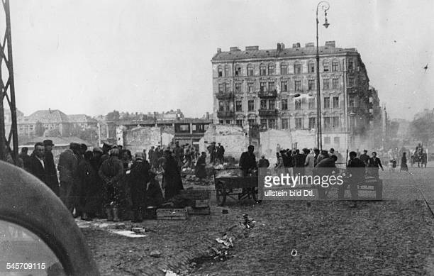 World War II, Warsaw Ghetto during the German occupation: destroyed market square
