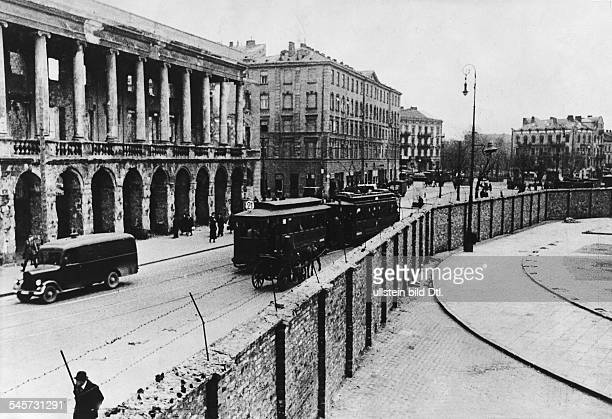 World War II, Warsaw Ghetto during the German occupation: the wall separating the Jewish Ghetto from the city