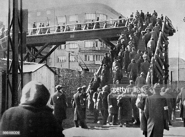 Footbridge over Chlodna Street in the Warsaw Ghetto 1942