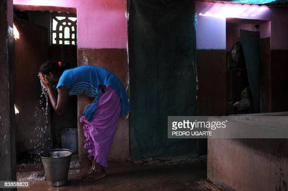 TO GO WITH World-AIDS-India-prostitution Pictures | Getty ...