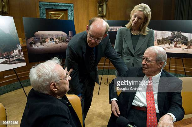 Worldrenowned architect Frank O Gehry David and Anne Eisenhower the grand childern of the late president and Chairman of the Dwight D Eisenhower...