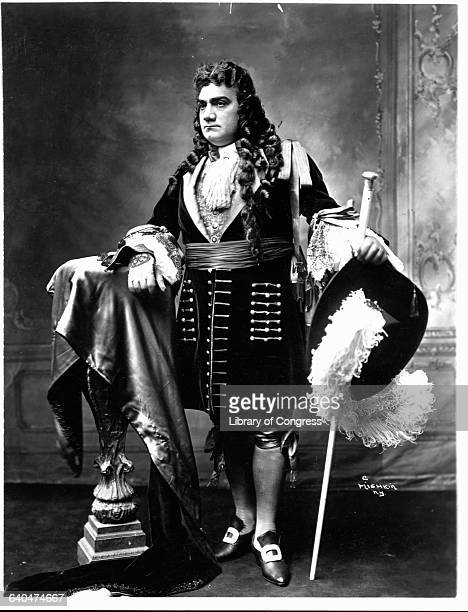 Worldrenowned tenor Enrico Caruso in costume for an opera set in the 18th century The Italian singer became a leading tenor of the Metropolitan Opera...