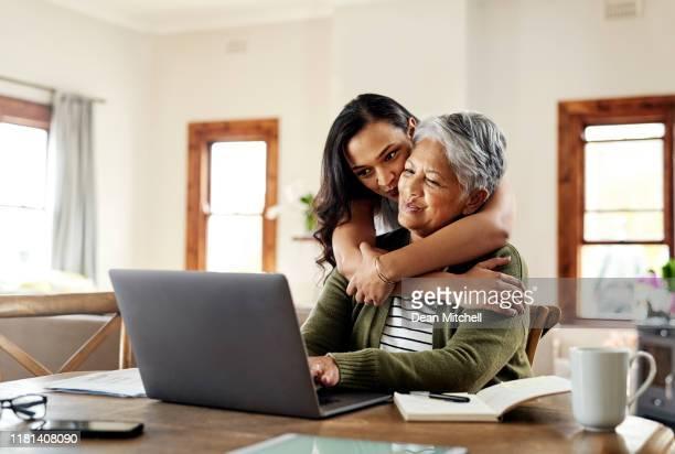 die beste mama der welt - finanzplanung stock-fotos und bilder