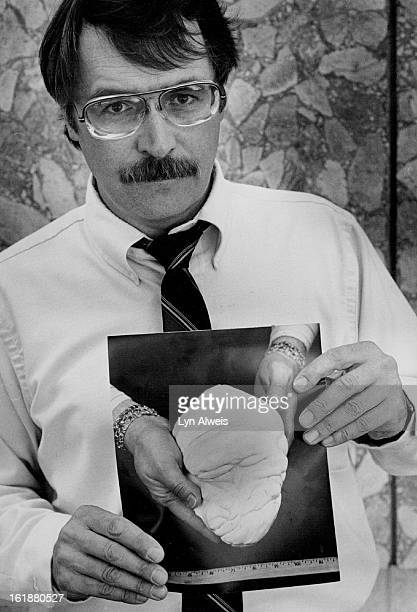 AUG 15 1986 AUG 16 1986 World's Largest Pearl in custody of Federal Court in Denver A photo of the Pearl of Allah is held by James Man speaker clerk...