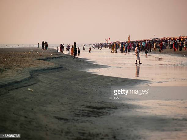 world's longest natural sandy sea beach in cox's bazar - cox bazar sea beach stock pictures, royalty-free photos & images
