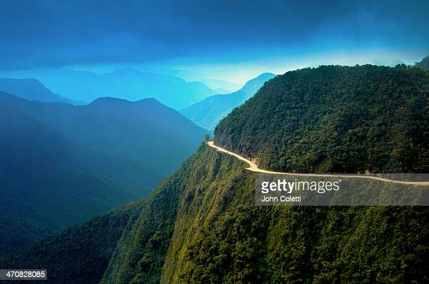 world's most dangerous road, bolivia - bolivia stockfoto's en -beelden