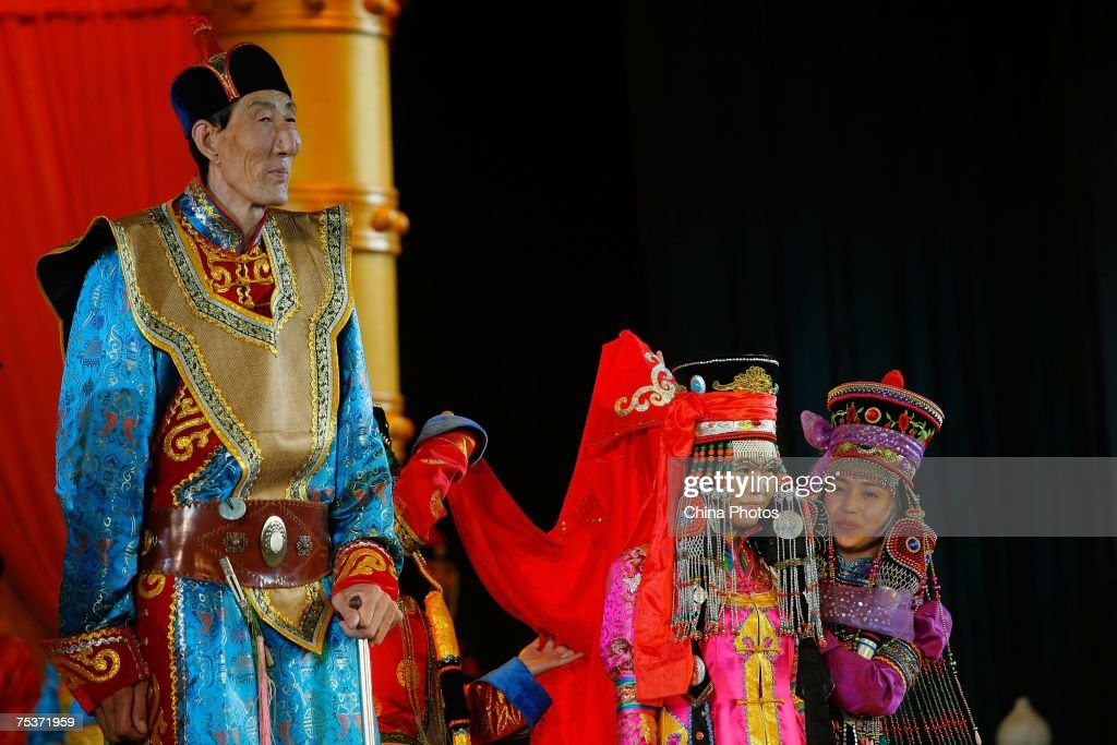 World's Tallest Man Gets Married In Inner Mongolia : News Photo