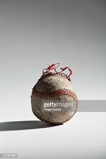 worn baseball - 外れる ストックフォトと画像