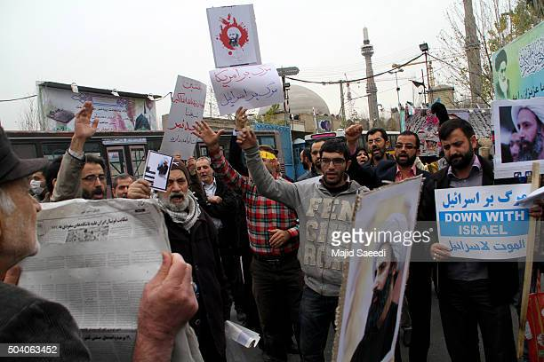 Worshippers attend a rally to protest the execution of Sheikh Nimr alNimr January 8 2016 in Tehran Iran Sheikh Nimr alNimr a prominent opposition...