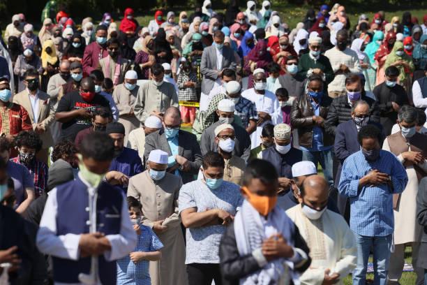 IL: Illinois Muslims Hold Outdoor Prayer For Eid Al-Fitr