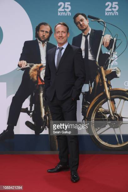 Wotan Wilke Möhring attends the '25 km/h' movie premiere at CineStar on October 25, 2018 in Berlin, Germany.