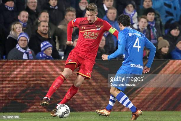 Wout Weghorst of AZ Alkmaar Dirk Marcellis of PEC Zwolle during the Dutch Eredivisie match between PEC Zwolle v AZ Alkmaar at the MAC3PARK Stadium on...