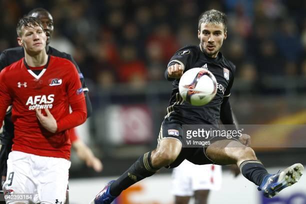 Wout Weghorst of AZ Alkmaar Emanuel Mammana of Olympique Lyonduring the UEFA Europa League round of 32 match between AZ Alkmaar and Olympique...