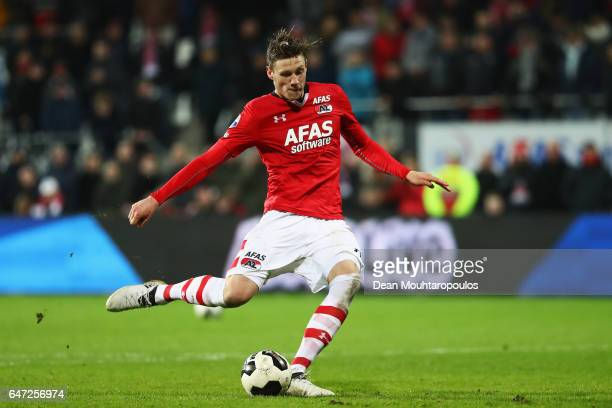 Wout Weghorst of AZ Alkmaar takes and scores a penalty in the shoot out during the Dutch KNVB Cup Semifinal match between AZ Alkmaar and SC Cambuur...