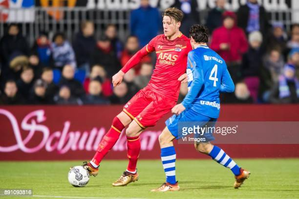 Wout Weghorst of AZ Dirk Marcellis of PEC Zwolle during the Dutch Eredivisie match between PEC Zwolle and AZ Alkmaar at the MAC3Park stadium on...