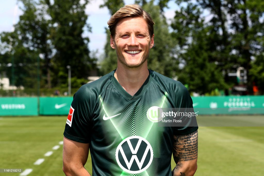 VfL Wolfsburg - Team Presentation : News Photo