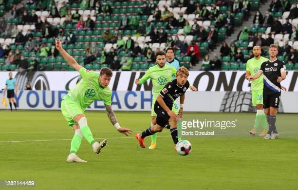 Wout Weghorst of Vfl Wolfsburg scores his sides first goal during the Bundesliga match between VfL Wolfsburg and DSC Arminia Bielefeld at Volkswagen...