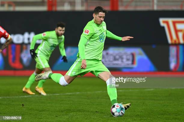 Wout Weghorst of VfL Wolfsburg scores his teams second goal from the penalty spot during the Bundesliga match between 1. FC Union Berlin and VfL...