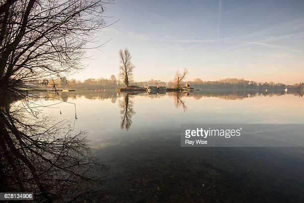 Wraysbury sailing lake at dawn