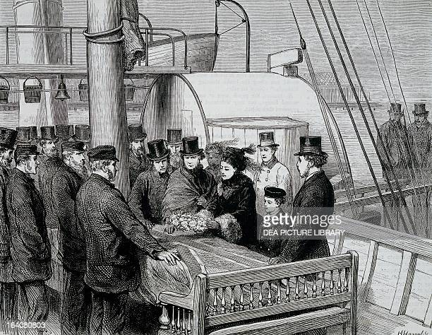 A wreath is placed on David Livingstone's coffin on arrival in the port of Southampton April 16 1874 England 19th century
