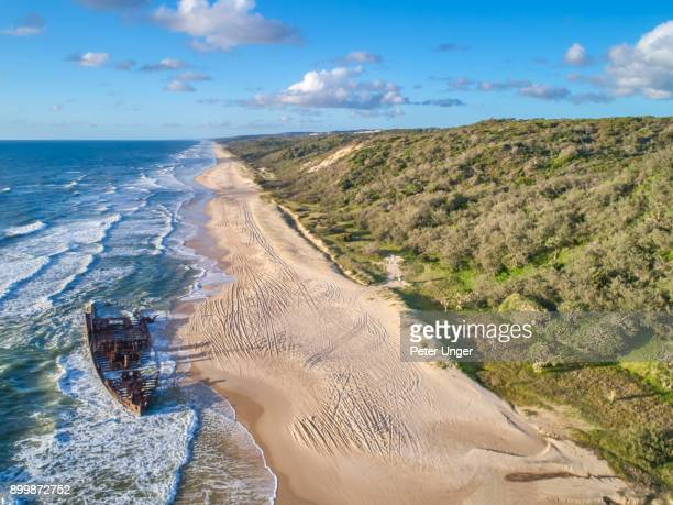 wreck of the maheno,fraser island,worlds largest sand island,queensland,australia - queensland stock-fotos und bilder