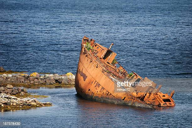 wreck - sunken stock pictures, royalty-free photos & images
