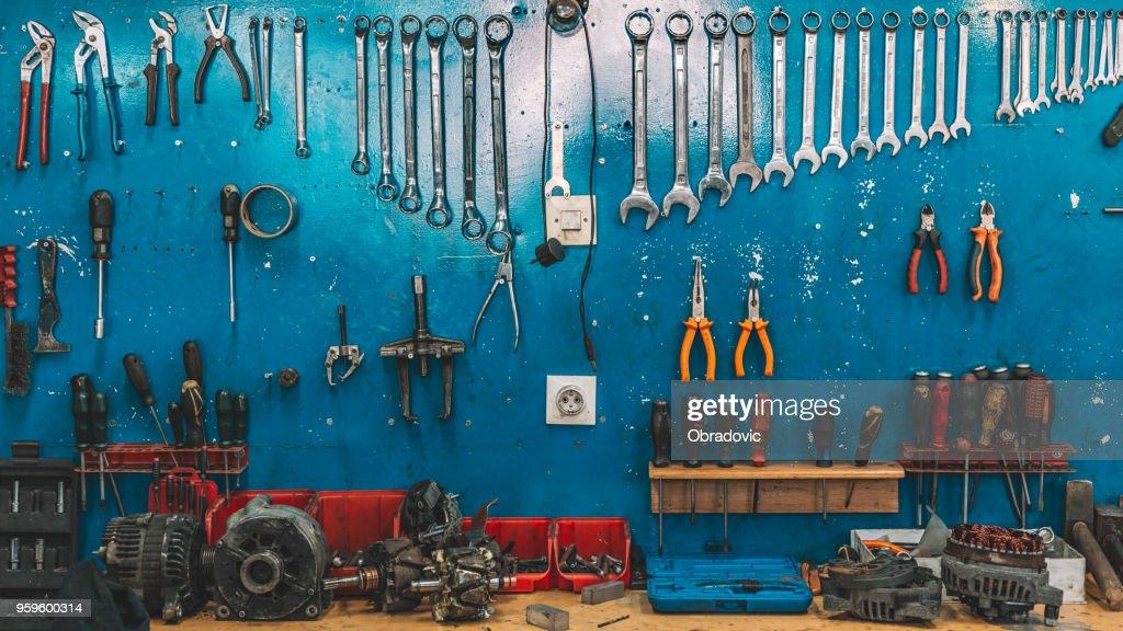 Schraubenschlüssel in der Werkstatt eingestellt : Stock-Foto