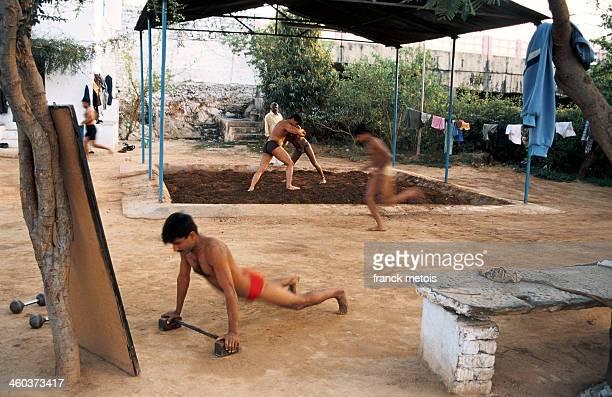 Wrestlers practising kushti