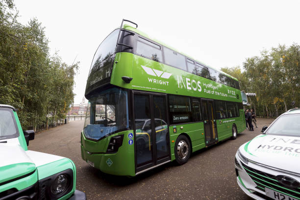 GBR: Unveiling of World's First Hydrogen-Fueled Double-Decker Bus
