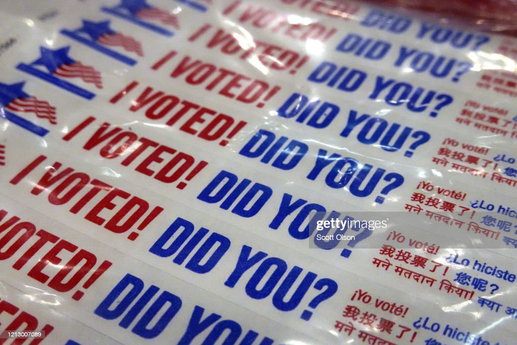 Voters Head To The Polls For Illinois Primary, Amid Coronavirus Pandemic : News Photo
