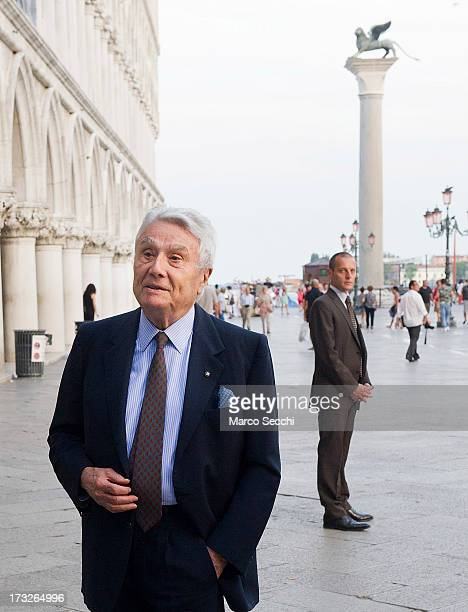 Writer Alberto Arbasino arrives for 'Othello' at the Doge Palace on July 10 2013 in Venice Italy It is the first time in 43 years that an opera...