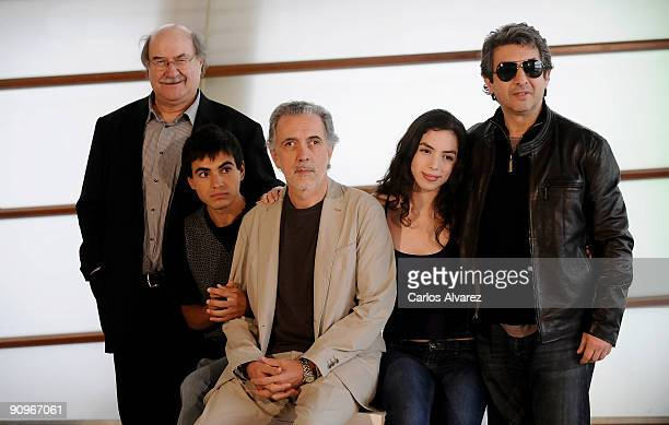 "Writer Antonio Skarmeta, actor Abel Ayala, director Fernando Trueba, actress Miranda Bodenhofer and actor Ricardo Darin attend ""El Baile de la..."